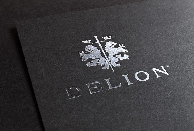 Logo Delion sur étui - marquage à chaud